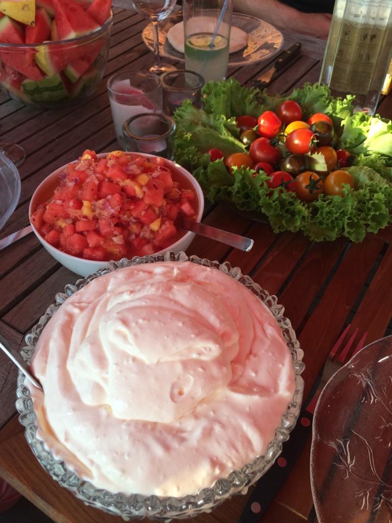 Fetaostkräm och fruktig salsa