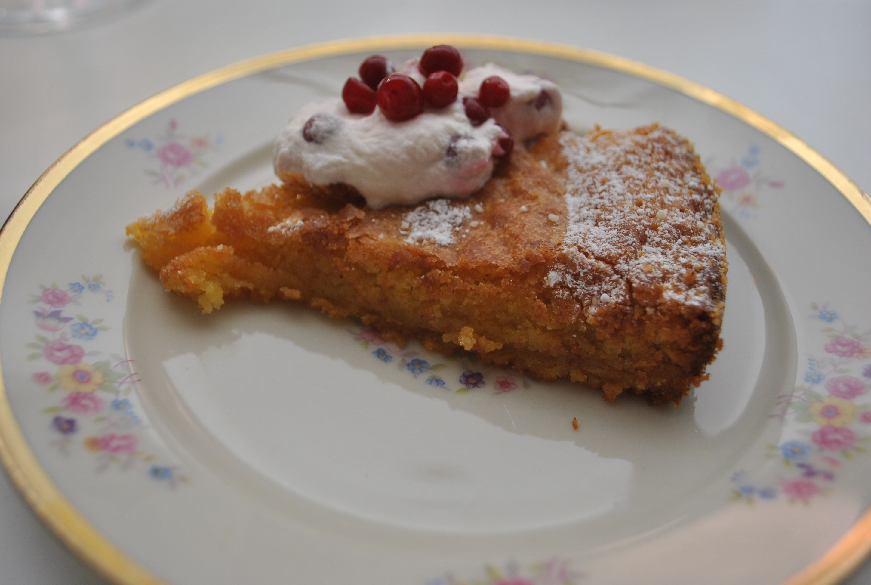 rice krispies tårta med smörkräm