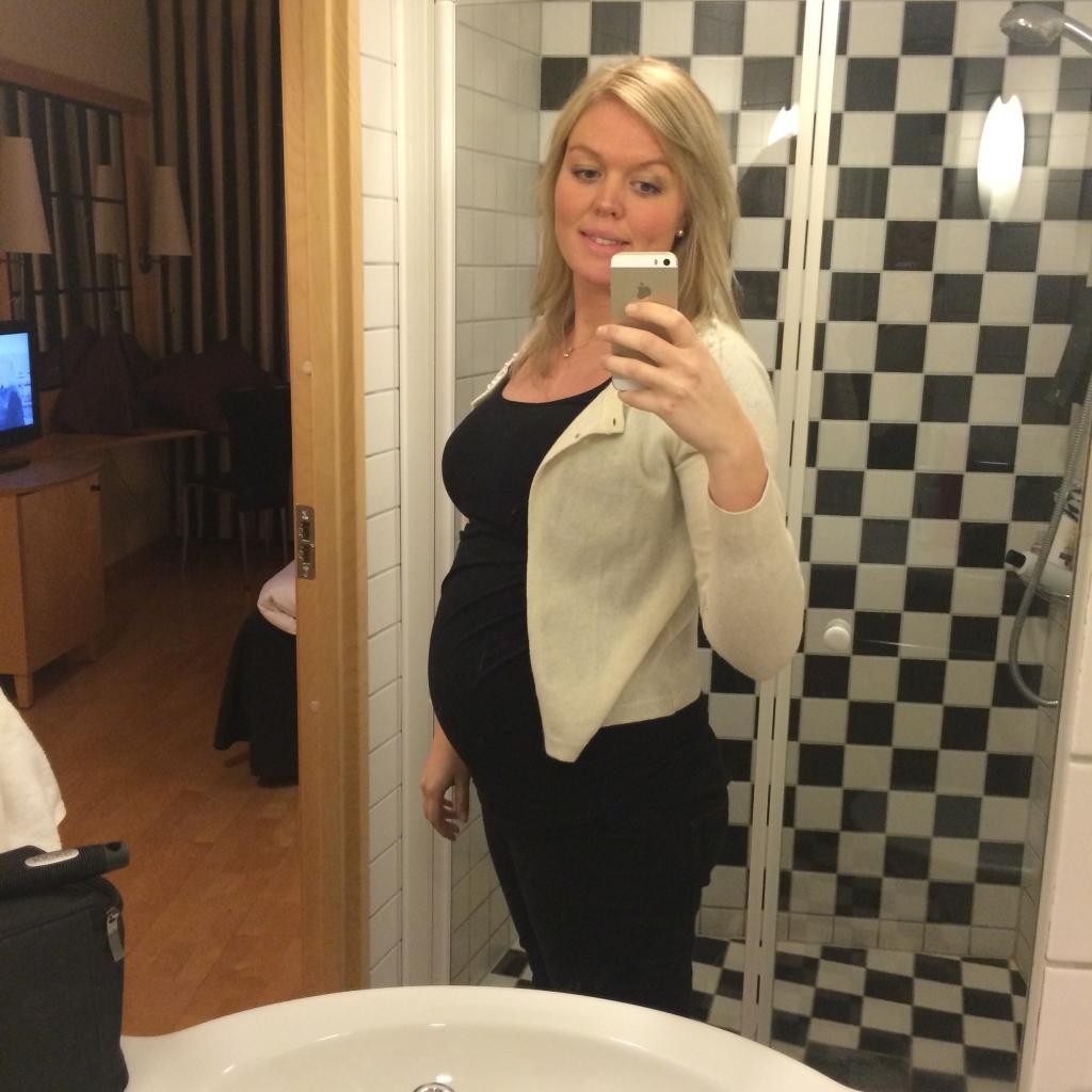 Gravid v 27