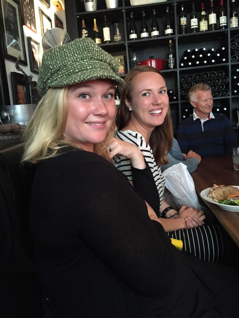 Linn och LIsa på Beau Marché
