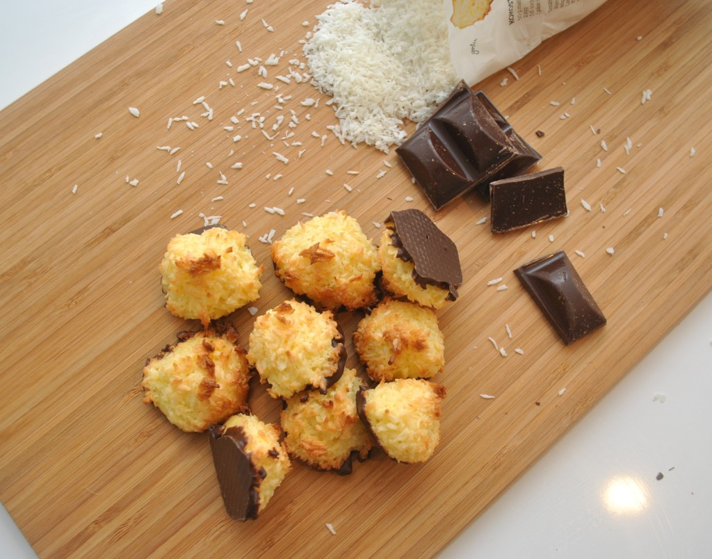 Chokladdoppade Kokostoppar med rom
