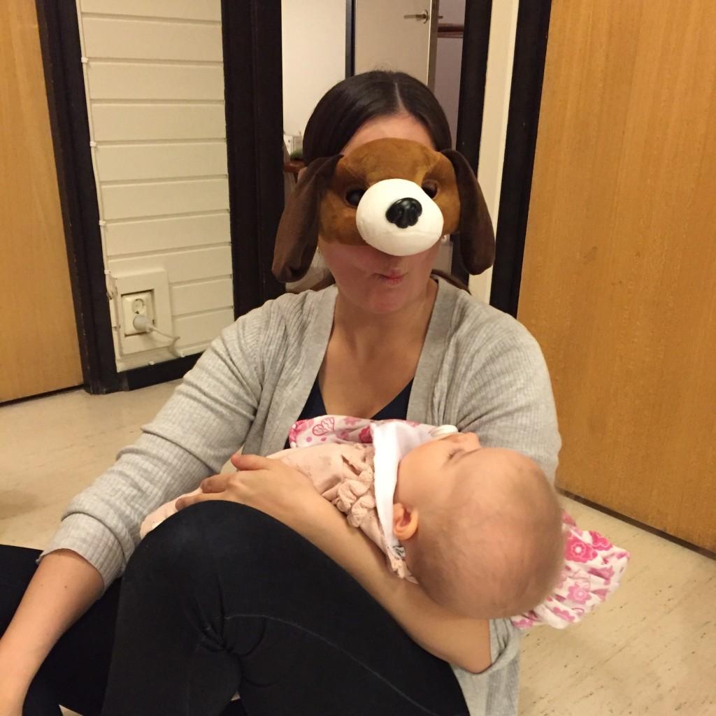 Helena som hund