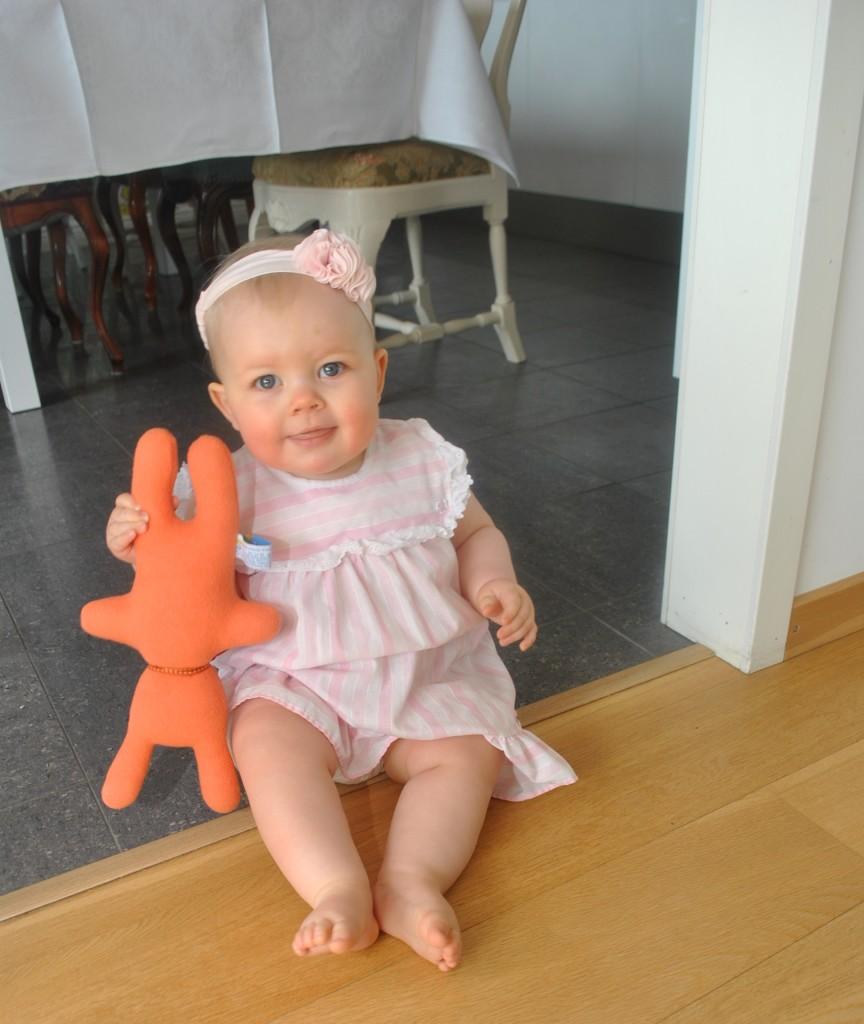 Linnea på sitt ettårskalas