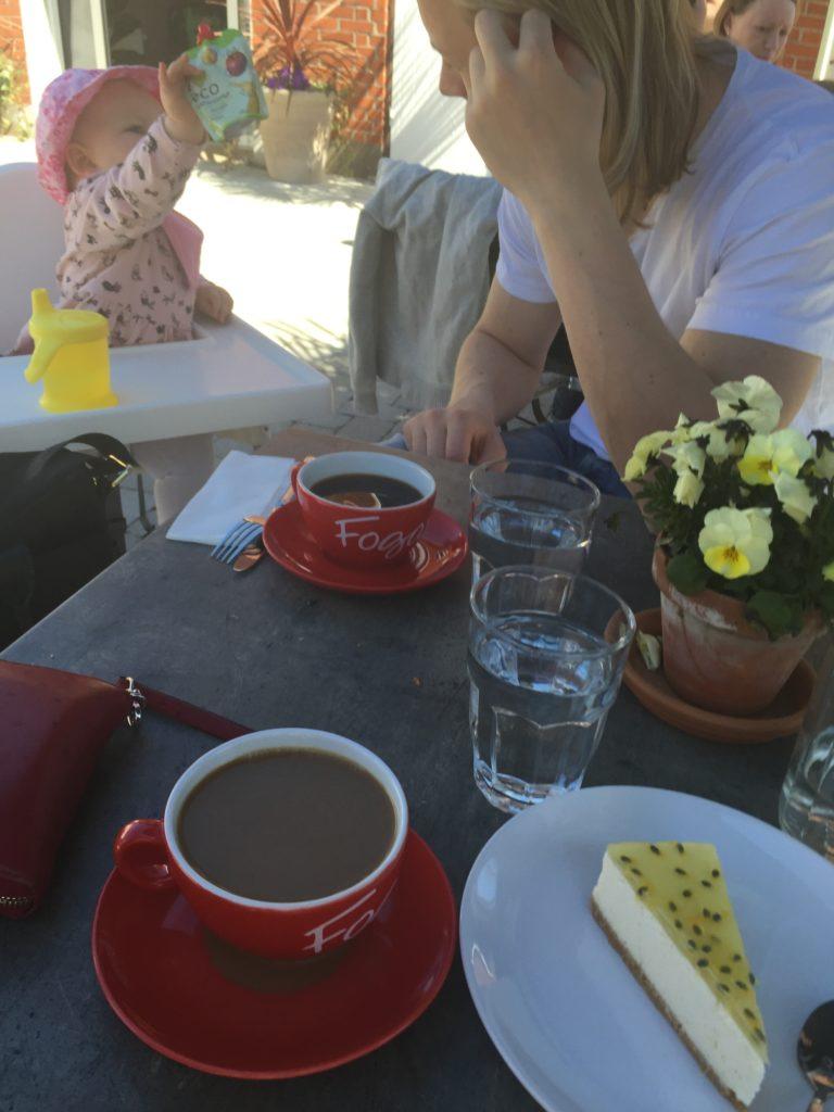 Fika på Café Smedjan Flyinge